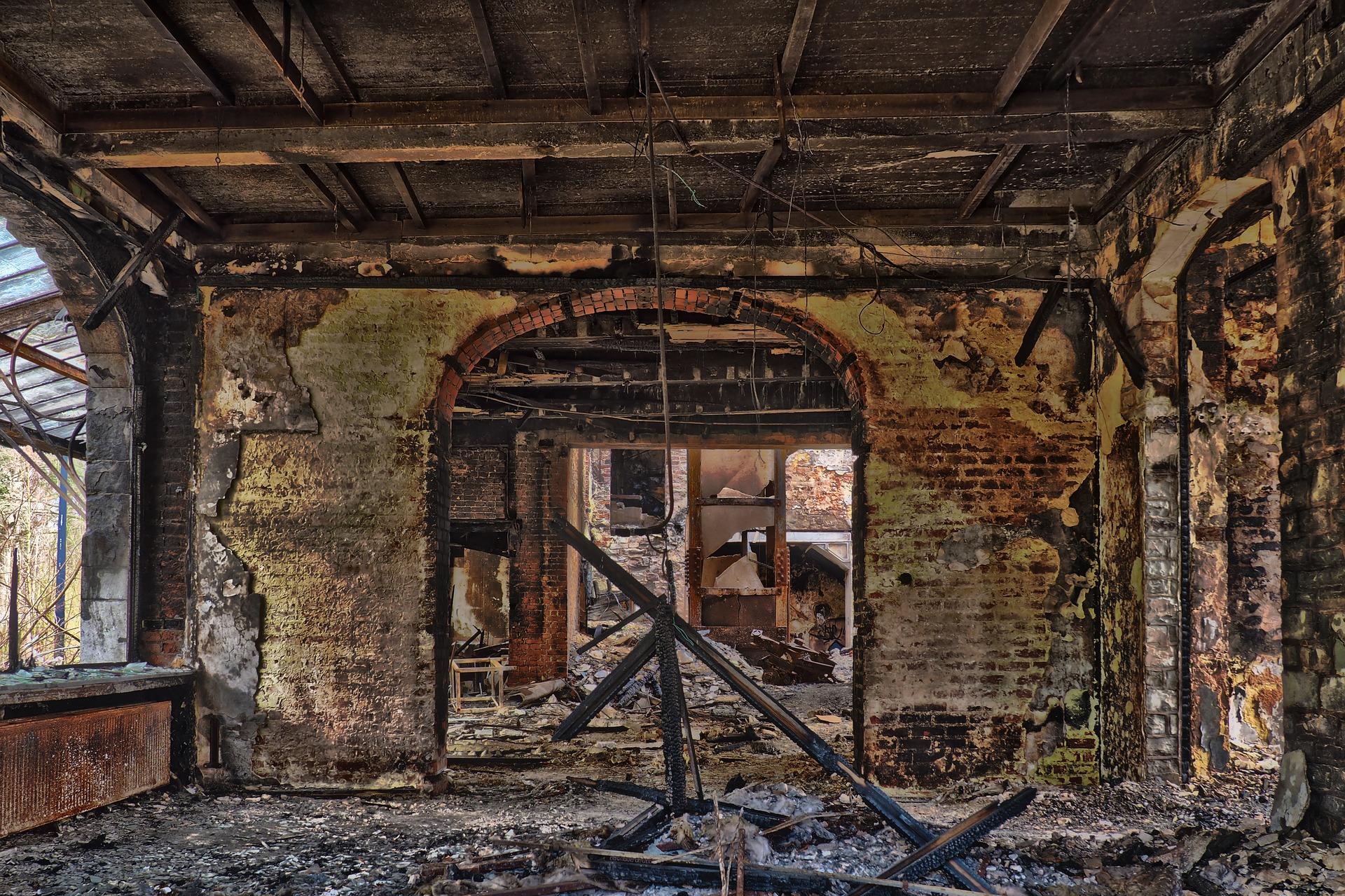 abandoned-3227498_1920